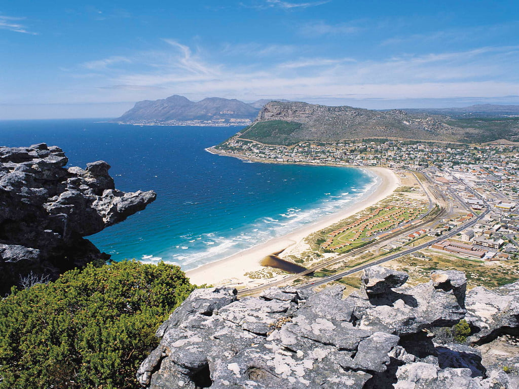 A view of Fishoek Beach from Clovelly Peak