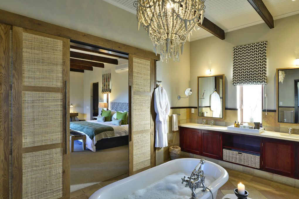 Thh bathroom at Tilney Manor in Sanbona Private Reserve